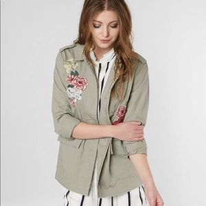 BKE / BUTTON DOWN EMBROIDERED JACKET
